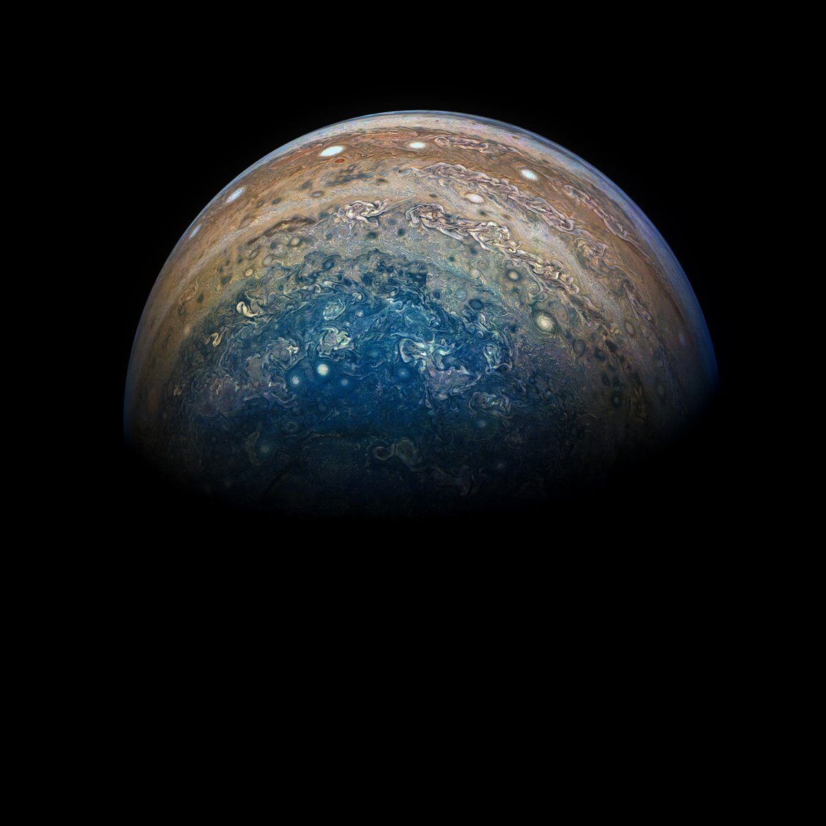 NASA Juno spacecraft takes stunning new images of clouds on Jupiter