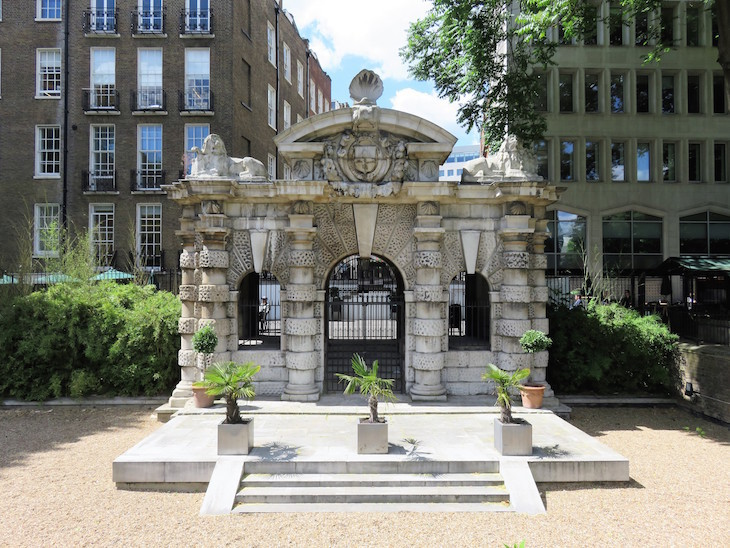 5a  thames gateway - 13 More Of London's Most Surprising Buildings