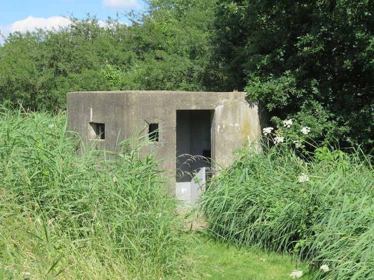 6c  hornchurch country park pillbox - 13 More Of London's Most Surprising Buildings