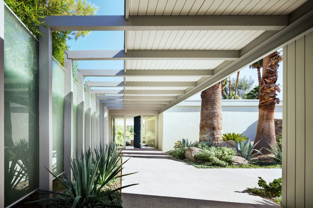 Steven Harris Restores a Midcentury Palm Springs Retreat